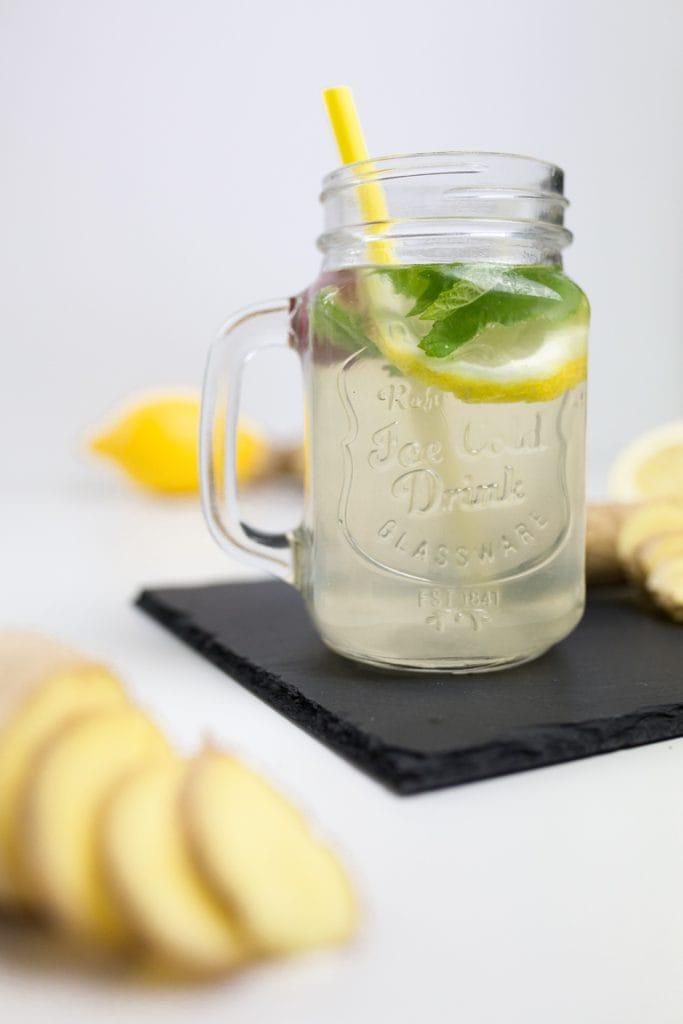 hausgemachter-ingwer-sirup-ingwer-limonade-cocktail-1