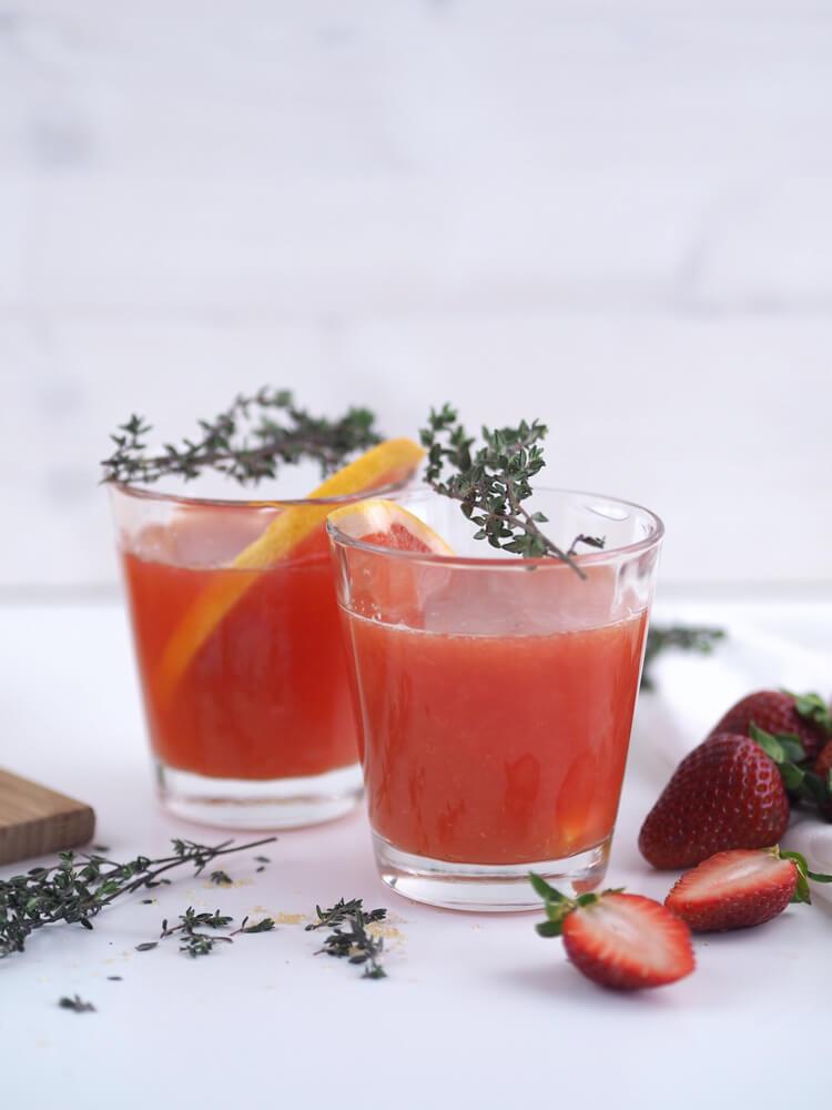 erfrischender Summer Drink mit Grapefruit und Thymian Rezept Getränk Bad Meinberger subvoyage Blog